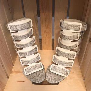 Edgy snakeskin heels sz 8.5